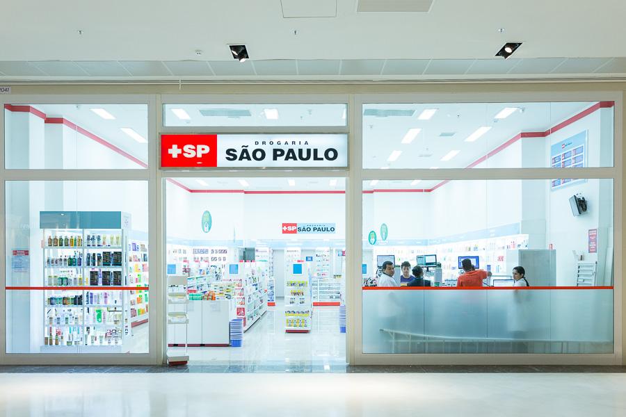 GUARULHOS, SP, BRASIL, 2015-04-22: Fachada das lojas do Parque Shopping Maia. (Foto: Henrique Manreza)